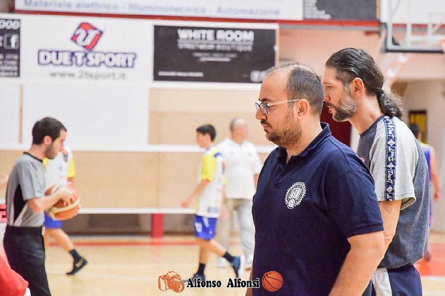 https://www.basketmarche.it/immagini_articoli/17-10-2019/inizia-sfida-fochi-pollenza-tour-force-basket-maceratese-600.jpg