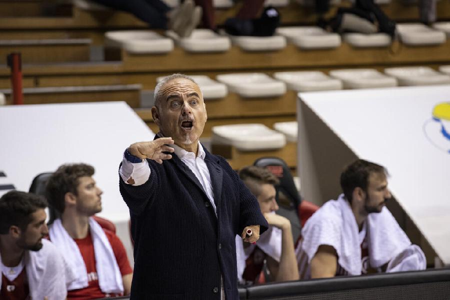 https://www.basketmarche.it/immagini_articoli/17-10-2021/pallacanestro-trieste-coach-ciani-nonostante-sconfitta-inizia-vedere-nostra-identit-600.jpg