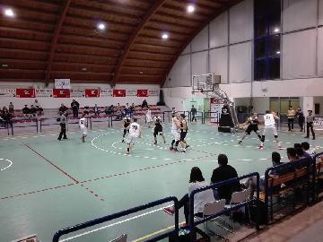 https://www.basketmarche.it/immagini_articoli/17-11-2017/d-regionale-pallacanestro-acqualagna-camb-montecchio-il-video-completo-della-gara-270.jpg