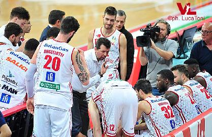 https://www.basketmarche.it/immagini_articoli/17-11-2017/serie-a-verso-aquila-basket-trento-vuelle-pesaro-le-parole-di-coach-leka-270.jpg