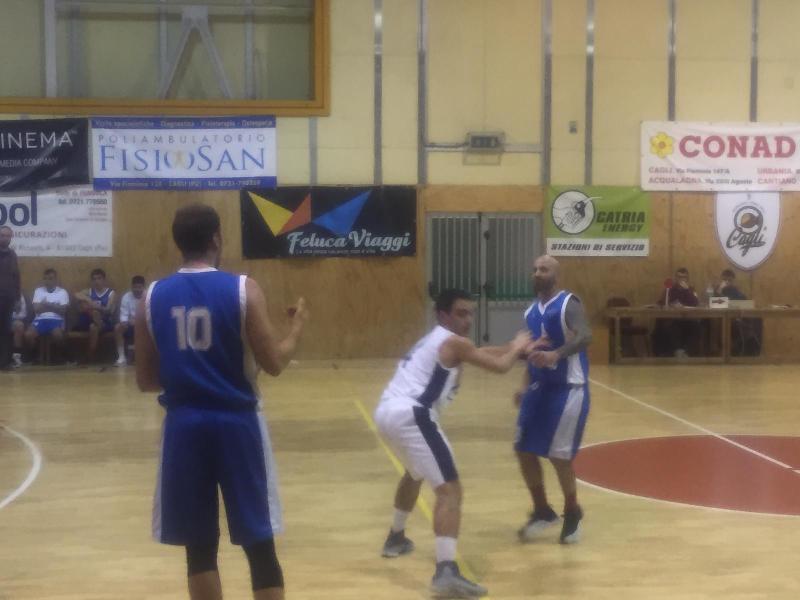 https://www.basketmarche.it/immagini_articoli/17-11-2018/basket-montefeltro-carpegna-espugna-campo-basket-cagli-600.jpg
