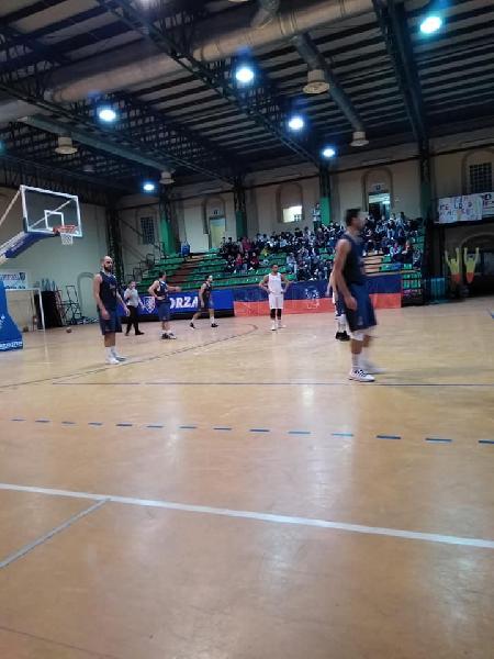 https://www.basketmarche.it/immagini_articoli/17-11-2018/basket-spello-sioux-supera-nettamente-pallacanestro-perugia-resta-imbattuta-600.jpg