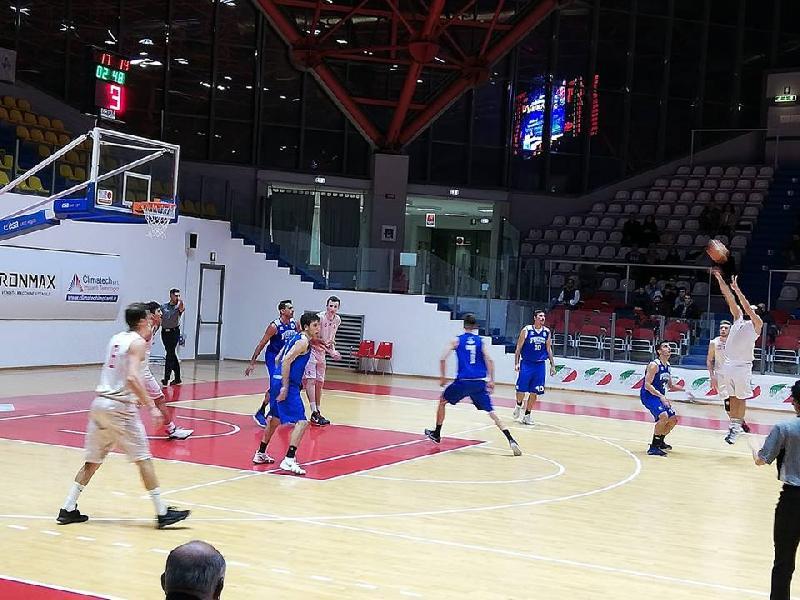 https://www.basketmarche.it/immagini_articoli/17-11-2018/pineto-basket-conquista-punti-campo-chieti-basket-600.jpg