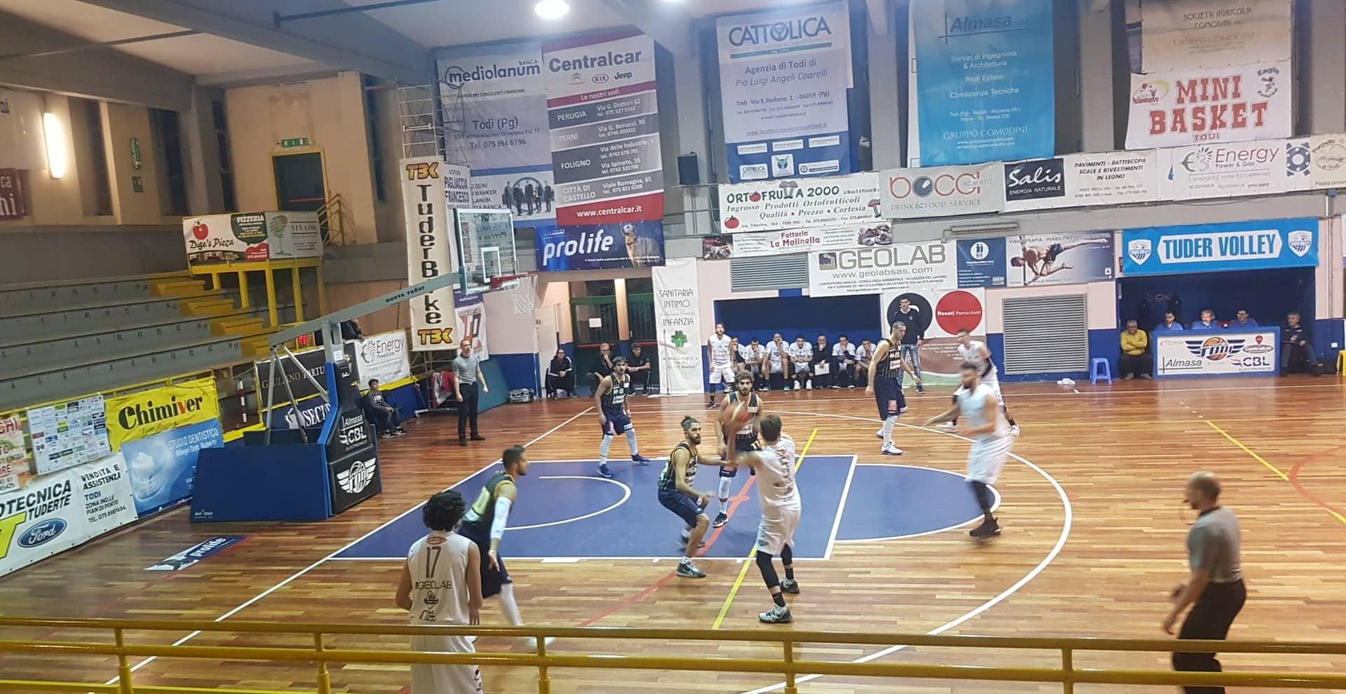 Il Basket Todi supera in volata la Pallacanestro Recanati e torna a correre - Serie C Silver Girone Marche-Umbria - Basketmarche.it