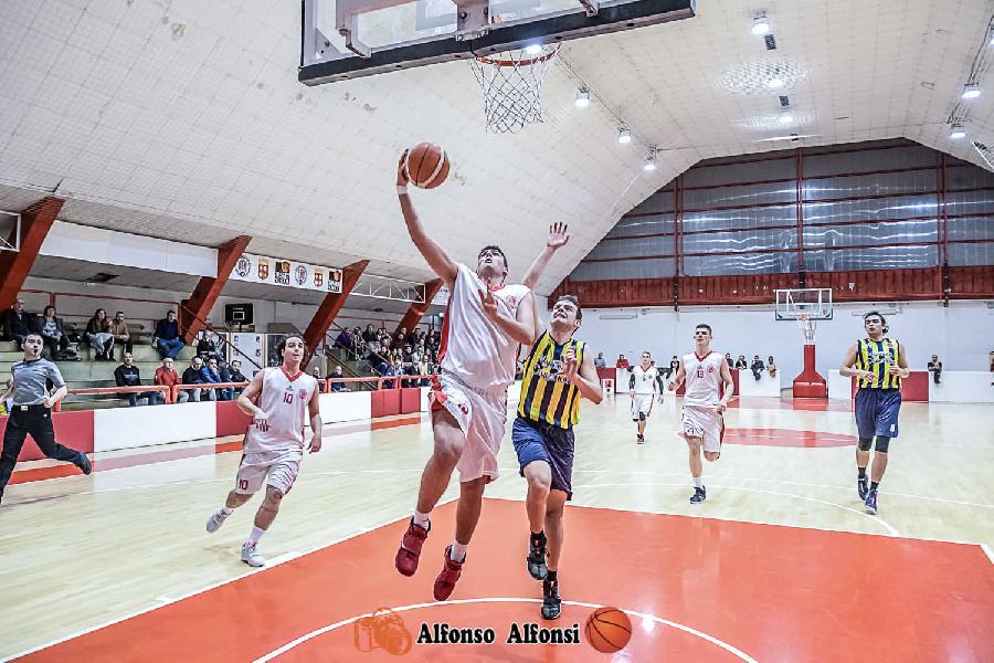 https://www.basketmarche.it/immagini_articoli/17-11-2019/basket-maceratese-supera-nettamente-victoria-fermo-conferma-imbattibilit-stagionale-600.jpg