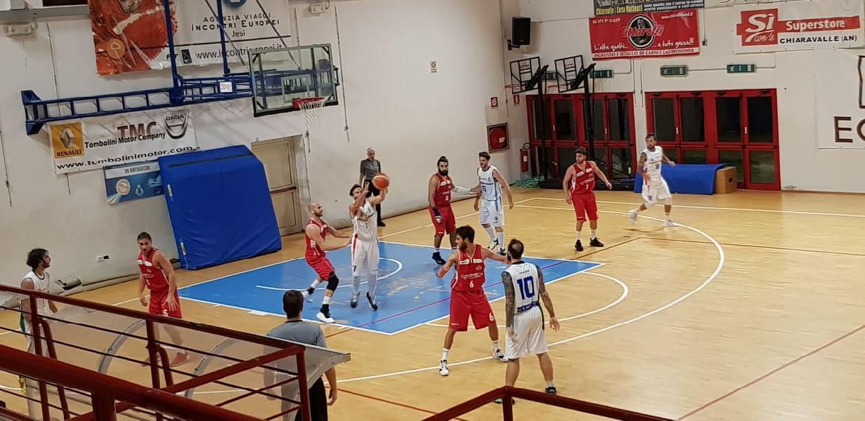 https://www.basketmarche.it/immagini_articoli/17-11-2019/montemarciano-aggiudica-scontro-diretto-pallacanestro-urbania-600.jpg