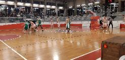 https://www.basketmarche.it/immagini_articoli/17-11-2019/straordinario-marini-punti-guida-basket-gualdo-vittoria-stamura-ancona-120.jpg