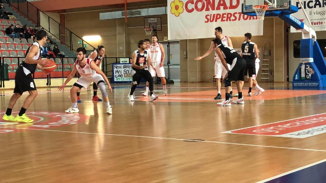 https://www.basketmarche.it/immagini_articoli/17-11-2019/vasto-basket-vittoria-battendo-robur-osimo-600.jpg