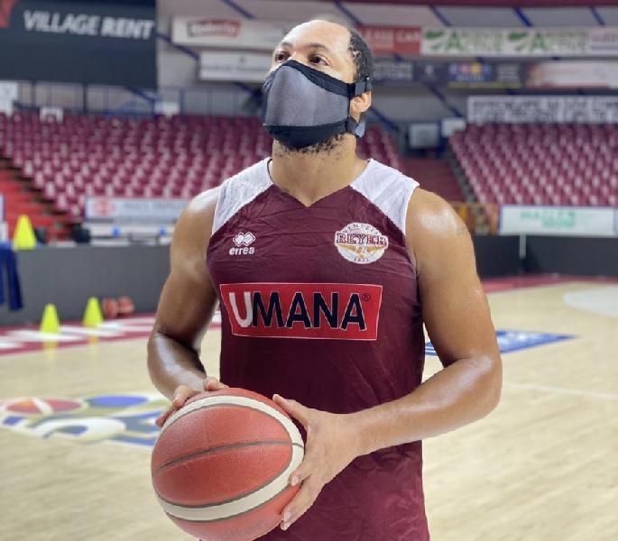 https://www.basketmarche.it/immagini_articoli/17-11-2020/reyer-michael-bramos-mascherina-adatta-sport-potr-essere-usata-soprattutto-giovani-600.jpg