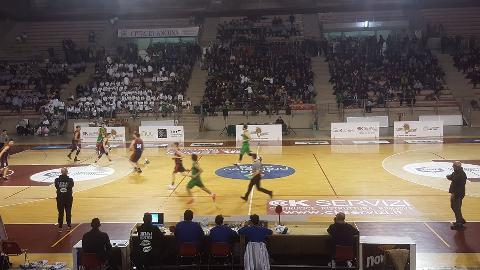 https://www.basketmarche.it/immagini_articoli/17-12-2017/serie-c-silver-il-campetto-ancona-batte-san-benedetto-di-fronte-a-2000-spettatori-270.jpg
