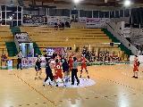https://www.basketmarche.it/immagini_articoli/18-01-2020/amatori-severino-inaresstabile-campo-sporting-pselpidio-arriva-ottava-fila-120.jpg