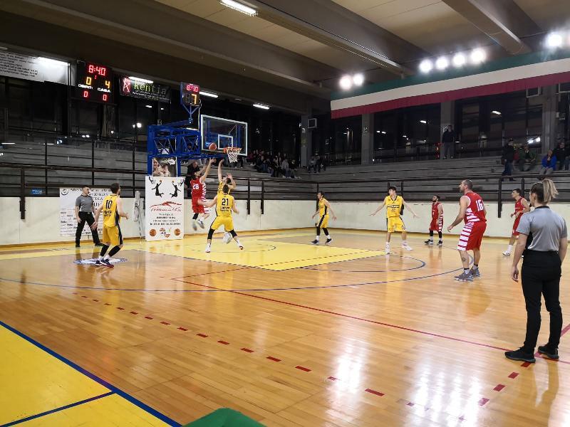 https://www.basketmarche.it/immagini_articoli/18-01-2020/brutta-sconfitta-basket-tolentino-campo-basket-club-fratta-umbertide-600.jpg