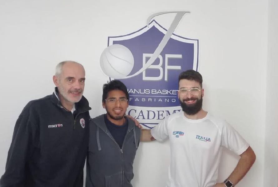 https://www.basketmarche.it/immagini_articoli/18-01-2020/grande-successo-fabriano-progetto-basket-scuole-oltre-1100-studenti-coinvolti-600.jpg