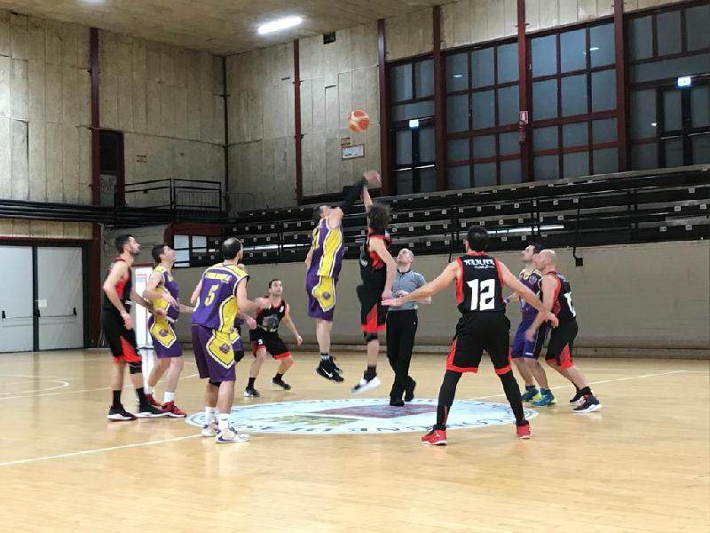 https://www.basketmarche.it/immagini_articoli/18-01-2020/pedaso-basket-passa-autorit-campo-storm-ubique-ascoli-600.jpg