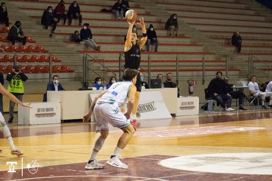 https://www.basketmarche.it/immagini_articoli/18-01-2021/janus-fabriano-sconfitta-campo-ottimo-campetto-ancona-600.jpg