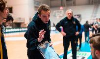 https://www.basketmarche.it/immagini_articoli/18-01-2021/sutor-coach-ciarpella-squadra-prendendo-fiducia-consapevolezza-propri-mezzi-120.png