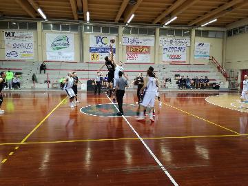 https://www.basketmarche.it/immagini_articoli/18-02-2018/d-regionale-netta-vittoria-per-il-marotta-basket-sul-campo-dei-titans-jesi-270.jpg