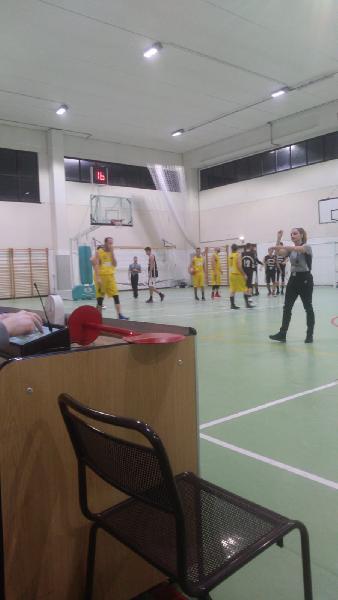 https://www.basketmarche.it/immagini_articoli/18-02-2019/brutta-sconfitta-interna-victoria-fermo-ascoli-basket-600.jpg