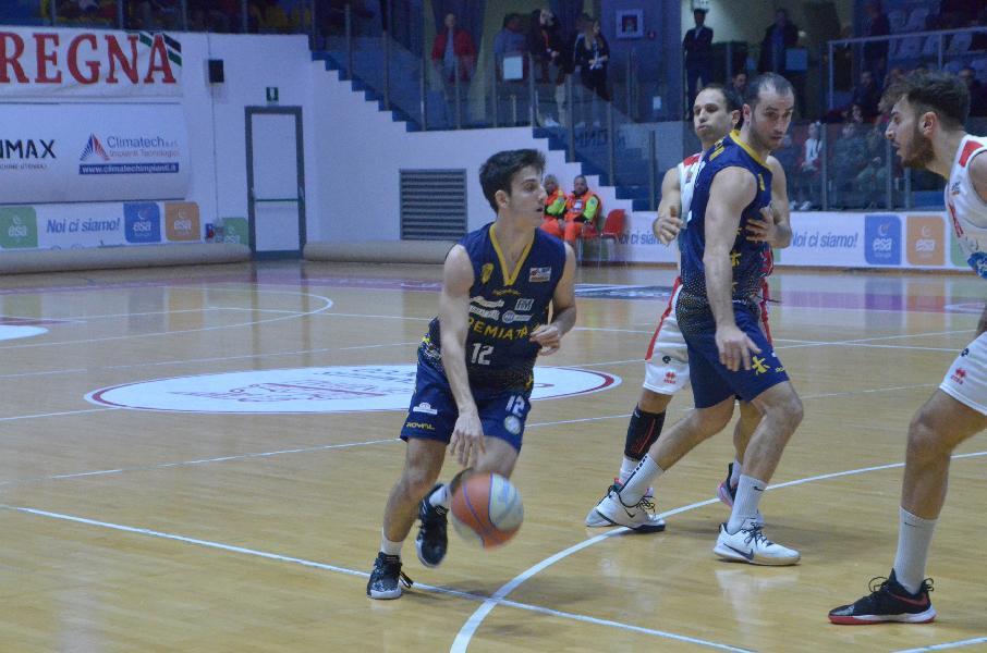 https://www.basketmarche.it/immagini_articoli/18-02-2020/sutor-montegranaro-aggiornamento-sulle-condizioni-fisiche-michele-caverni-600.jpg