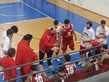 https://www.basketmarche.it/immagini_articoli/18-03-2018/serie-b-nazionale-si-ferma-contro-nardò-la-serie-positiva-della-pallacanestro-senigallia-270.jpg