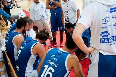 https://www.basketmarche.it/immagini_articoli/18-03-2018/serie-b-nazionale-troppo-san-severo-per-lo-janus-fabriano-la-capolista-passa-al-palaguerrieri-270.jpg