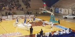 https://www.basketmarche.it/immagini_articoli/18-03-2019/derby-amaro-luciana-mosconi-ancona-palarossini-esulta-janus-fabriano-120.jpg