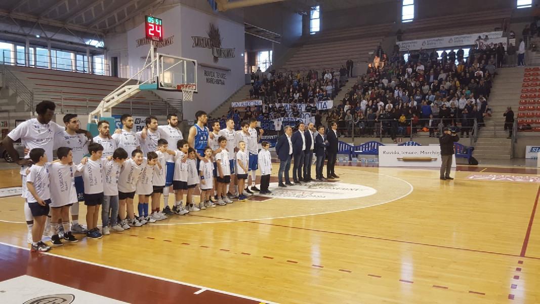 https://www.basketmarche.it/immagini_articoli/18-03-2019/janus-fabriano-sbanca-ancona-conquista-matematicamente-playoff-600.jpg