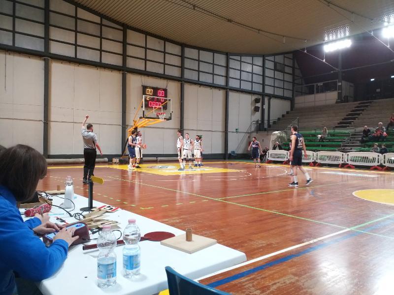 https://www.basketmarche.it/immagini_articoli/18-04-2019/regionale-umbria-playoff-gara-ellera-uisp-spello-semifinale-gubbio-atomika-bella-600.jpg