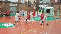 https://www.basketmarche.it/immagini_articoli/18-04-2019/regionale-umbria-playout-gara-viterbo-salva-giromondo-spoleto-prende-bella-120.jpg