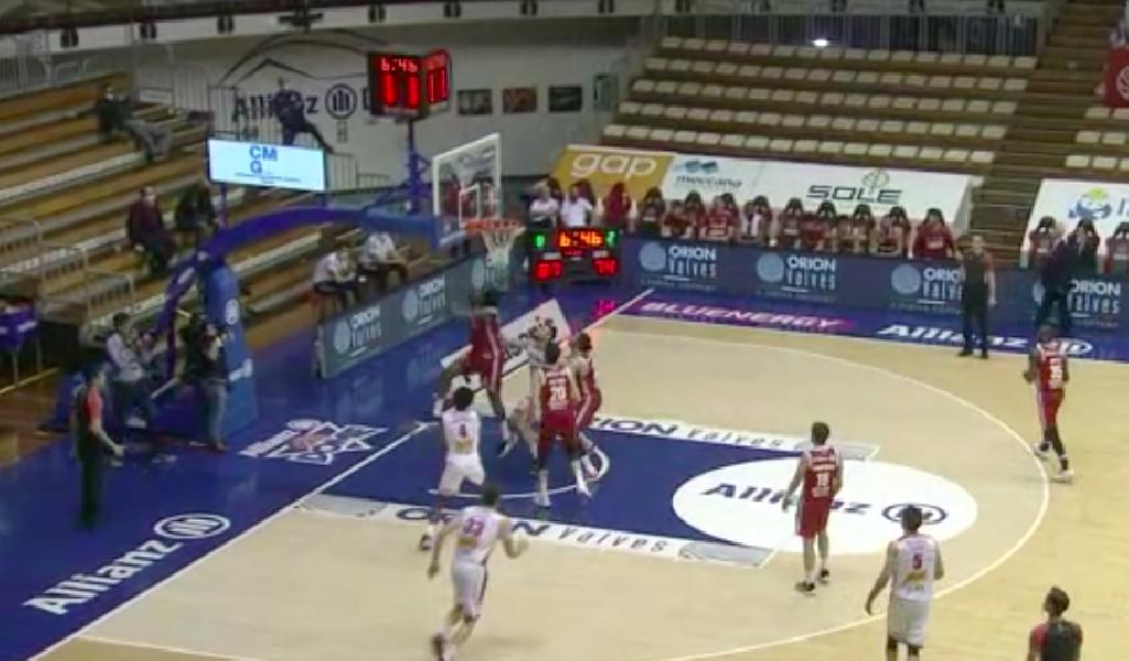 https://www.basketmarche.it/immagini_articoli/18-04-2021/alviti-delia-trascinano-pallacanestro-trieste-vittoria-pesaro-600.png