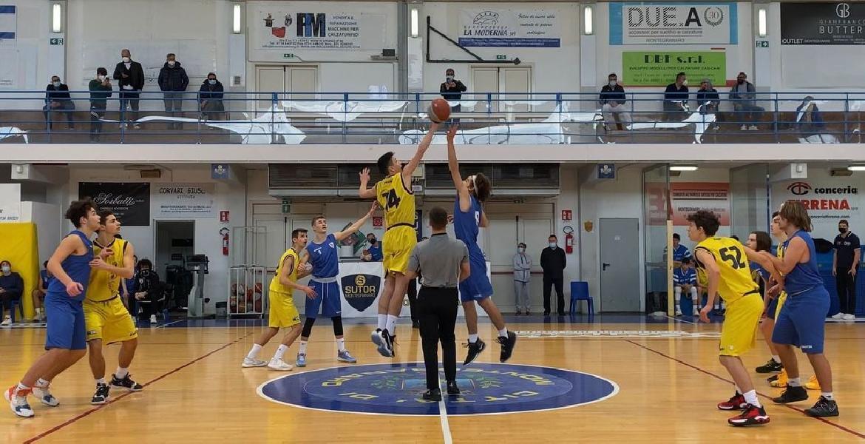 https://www.basketmarche.it/immagini_articoli/18-04-2021/pall-sett-giov-montegranaro-supera-picchio-civitanova-gara-esordio-600.jpg