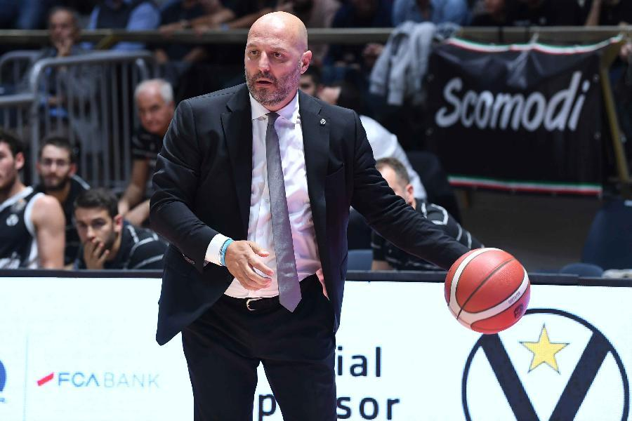 https://www.basketmarche.it/immagini_articoli/18-04-2021/virtus-coach-djordjevic-chiede-giocare-orgoglio-coraggio-quello-manca-nulla-dire-600.jpg