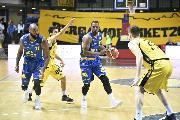 https://www.basketmarche.it/immagini_articoli/18-05-2019/serie-playoff-poderosa-montegranaro-cade-bergamo-analisi-coach-pancotto-120.jpg