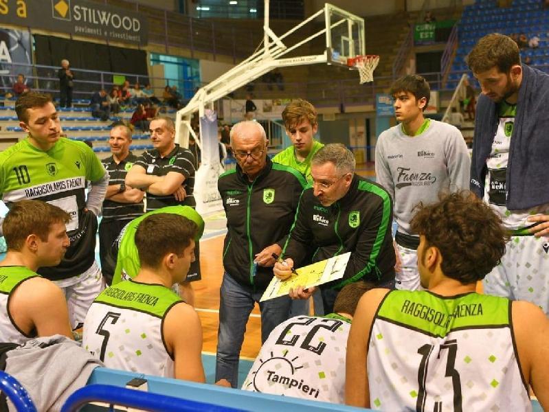 https://www.basketmarche.it/immagini_articoli/18-05-2020/separano-strade-raggisolaris-faenza-coach-massimo-friso-600.jpg