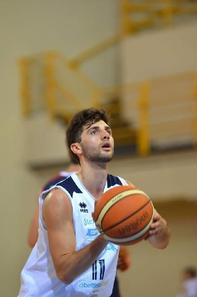 https://www.basketmarche.it/immagini_articoli/18-07-2019/ufficiale-fabio-eustachio-terza-conferma-unibasket-lanciano-600.jpg