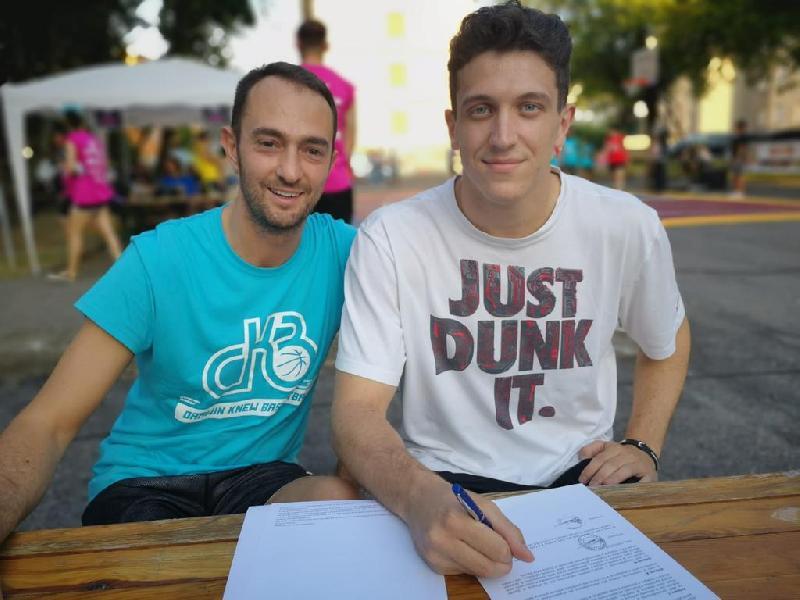 https://www.basketmarche.it/immagini_articoli/18-07-2019/ufficiale-federico-ricci-lascia-pallacanestro-senigallia-firma-fiorenzuola-600.jpg