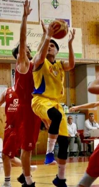 https://www.basketmarche.it/immagini_articoli/18-07-2020/colpo-mercato-torre-spes-ufficiale-firma-guardia-cristian-ippolito-600.jpg