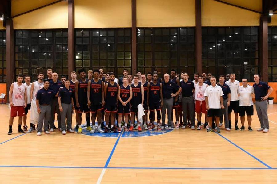 https://www.basketmarche.it/immagini_articoli/18-08-2019/grande-entusiasmo-prima-uscita-virtus-roma-syracuse-university-bene-kyzlink-moore-600.jpg