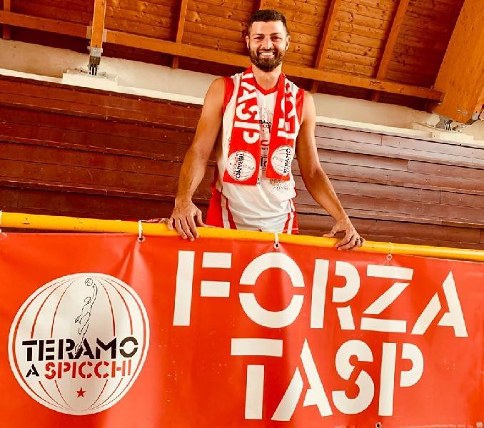 https://www.basketmarche.it/immagini_articoli/18-08-2020/ufficiale-antonio-serroni-giocatore-teramo-spicchi-600.jpg