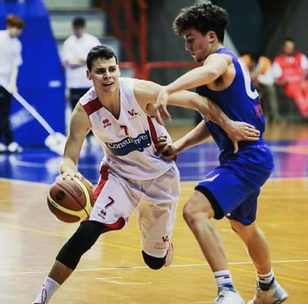 https://www.basketmarche.it/immagini_articoli/18-08-2020/ufficiale-pallacanestro-acqualagna-firma-guardia-giacomo-nicolini-600.jpg