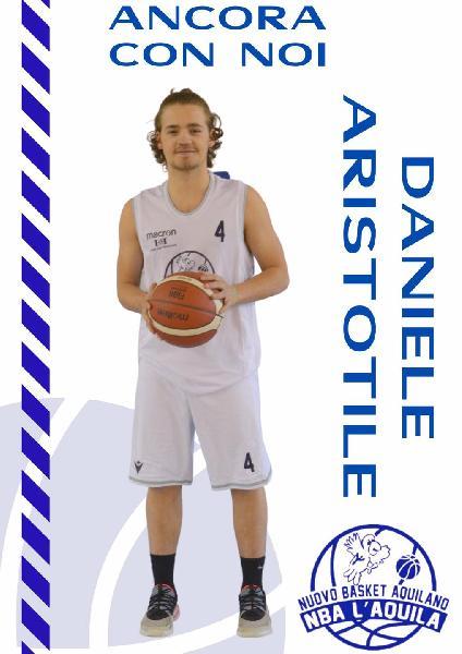 https://www.basketmarche.it/immagini_articoli/18-08-2021/basket-aquilano-ufficiale-conferma-play-daniele-aristotile-600.jpg