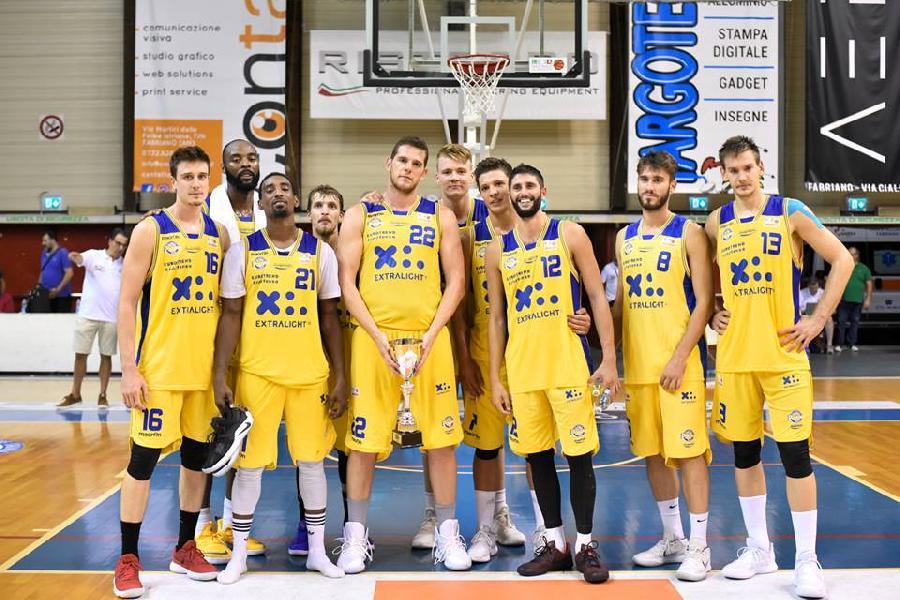 https://www.basketmarche.it/immagini_articoli/18-09-2018/serie-poderosa-montegranaro-presenta-citt-tifosi-dettagli-600.jpg