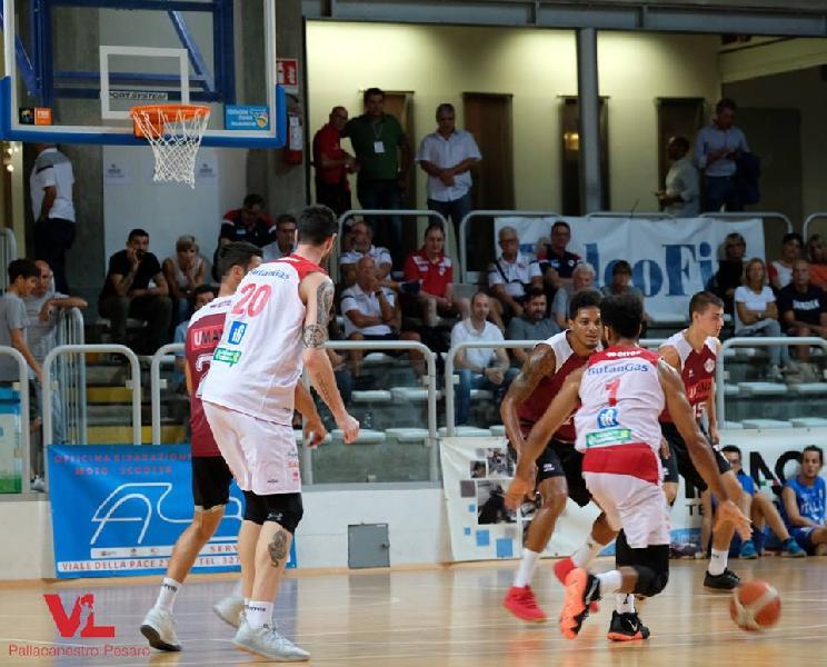 https://www.basketmarche.it/immagini_articoli/18-09-2018/serie-vuelle-pesaro-gioca-buona-gara-fine-cede-reyer-venezia-600.jpg