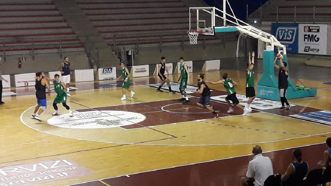 https://www.basketmarche.it/immagini_articoli/18-09-2019/buon-test-amichevole-rimaneggiato-stamura-ancona-basket-auximum-osimo-600.jpg