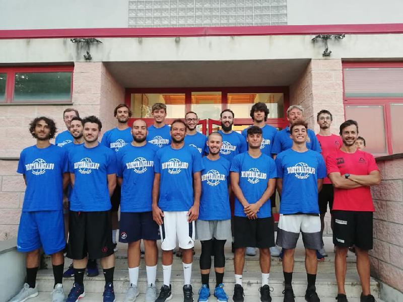 https://www.basketmarche.it/immagini_articoli/18-09-2019/sabato-campo-montemarciano-pallacanestro-recanati-600.jpg