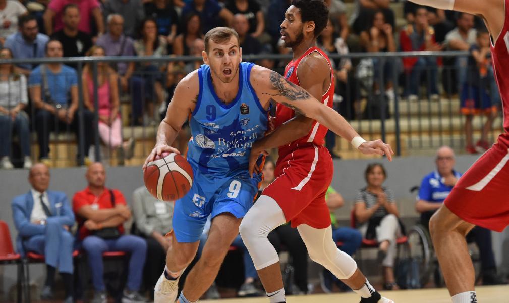 https://www.basketmarche.it/immagini_articoli/18-09-2019/ufficiale-dinamo-sassari-firma-lituana-paulius-sorokas-600.jpg