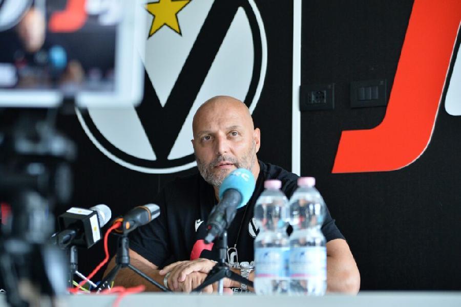 https://www.basketmarche.it/immagini_articoli/18-09-2020/virtus-coach-djordjevic-supercoppa-competizione-porta-titolo-quindi-importante-600.jpg