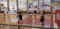 https://www.basketmarche.it/immagini_articoli/18-09-2021/basket-gualdo-buone-indicazioni-test-amichevole-basket-assisi-120.jpg