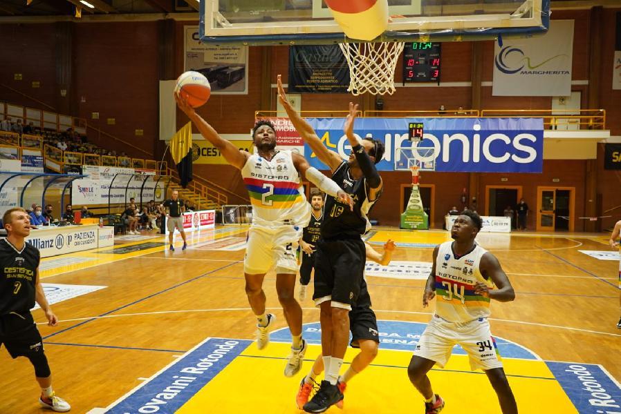https://www.basketmarche.it/immagini_articoli/18-09-2021/pallacanestro-nard-janus-fabriano-giocano-residue-speranze-conquistare-final-eight-600.jpg