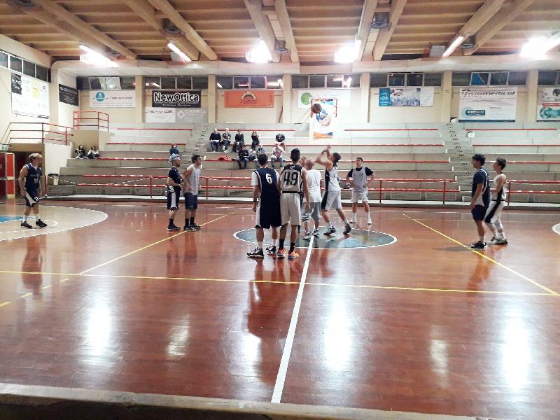 https://www.basketmarche.it/immagini_articoli/18-10-2019/marotta-basket-chiude-precampionato-vittoria-under-falconara-basket-600.jpg